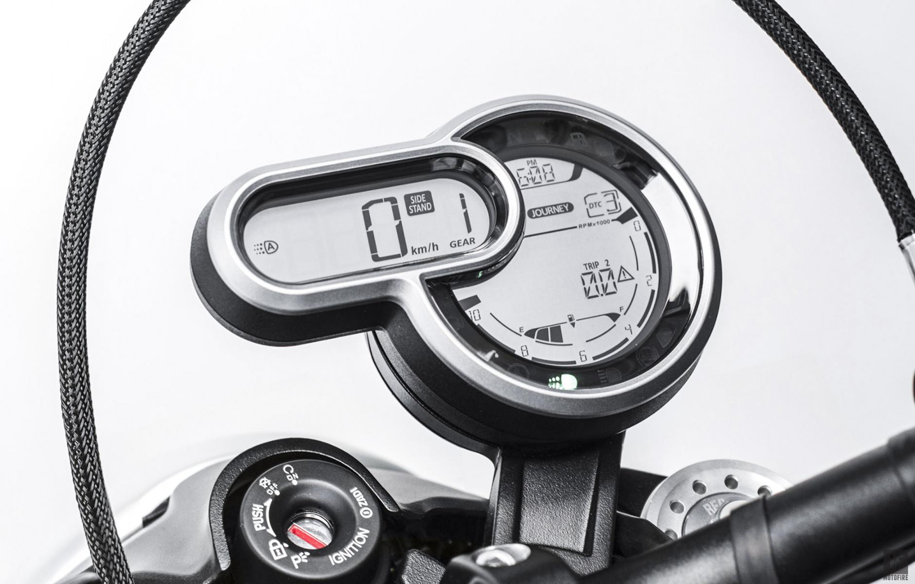 New LCD instrument with fuel and gear indicator - Ducati